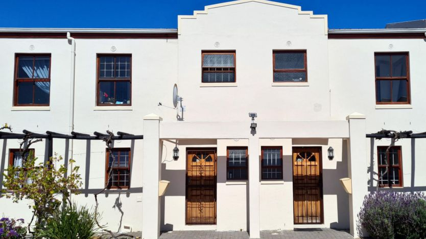2 Bedroom duplex townhouse - sectional for sale in Parklands, Blouberg
