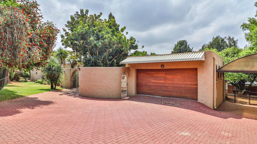 4 Bedroom house for sale in Wilro Park, Roodepoort
