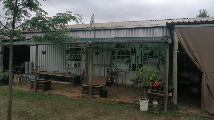2 Bedroom smallholding for sale in Theoville, Vanderbijlpark