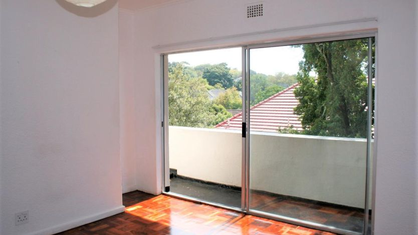 2 Bedroom apartment for sale in Rondebosch, Cape Town
