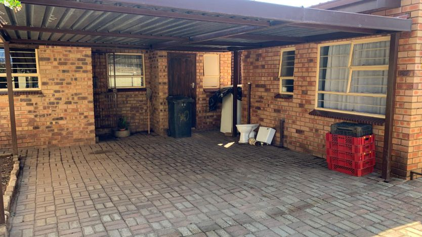 3 Bedroom house for sale in Georginia, Roodepoort