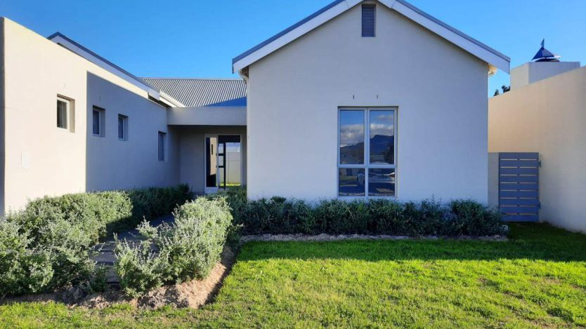 4 Bedroom house for sale in Paarl North