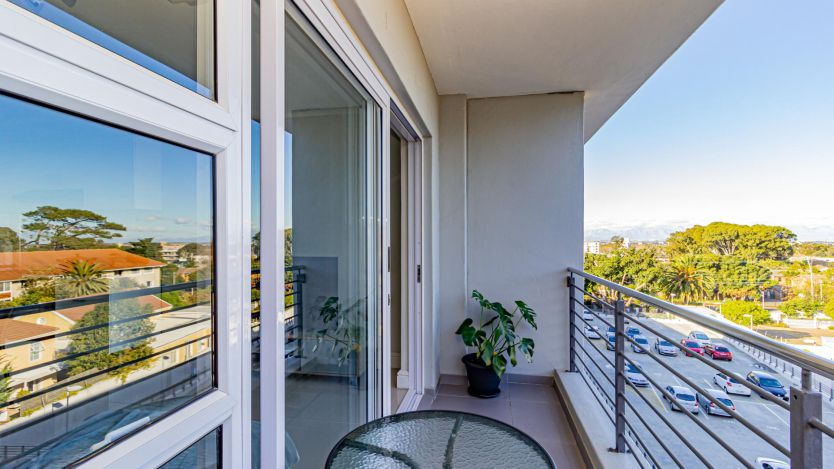 1 Bedroom apartment for sale in Kenilworth Upper, Cape Town