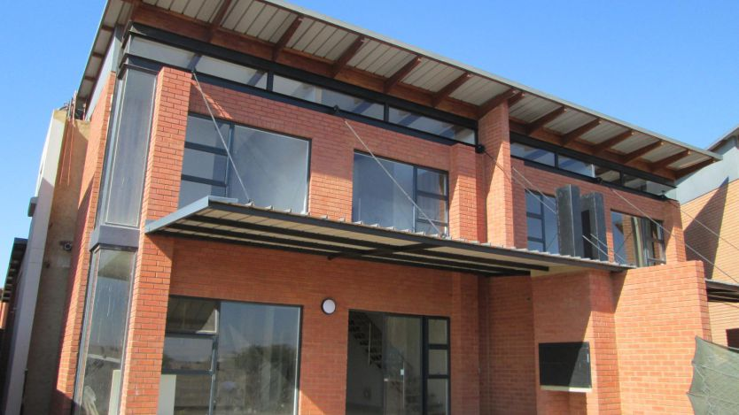 2 Bedroom duplex townhouse - sectional for sale in Six Fountains Residential Estate, Pretoria
