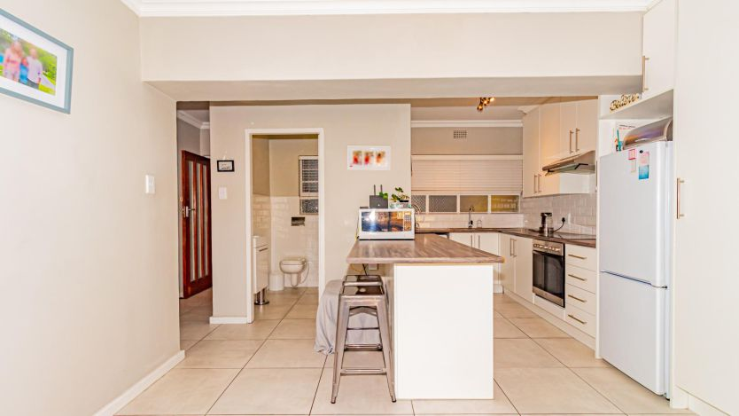 2 Bedroom apartment for sale in Kenilworth, Cape Town