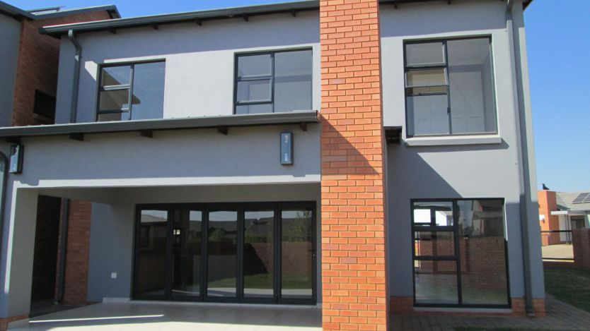 4 Bedroom duet for sale in Six Fountains Residential Estate, Pretoria