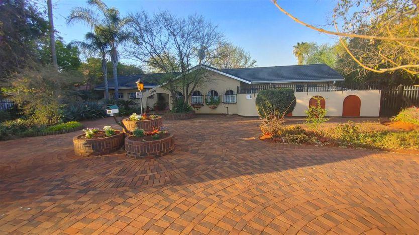 4 Bedroom house for sale in Meyerspark, Pretoria