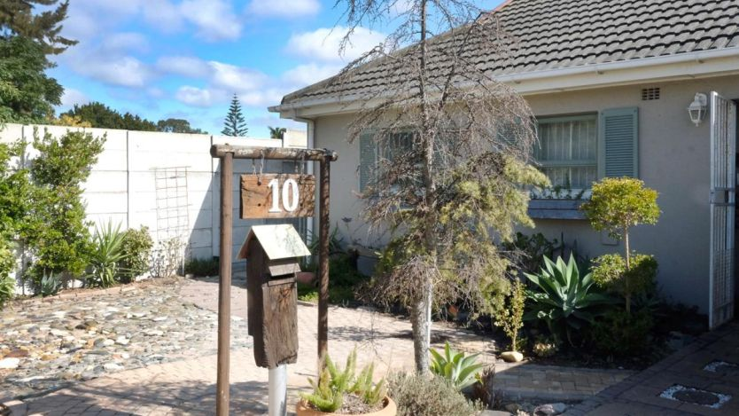 2 Bedroom house for sale in Groenvallei, Bellville